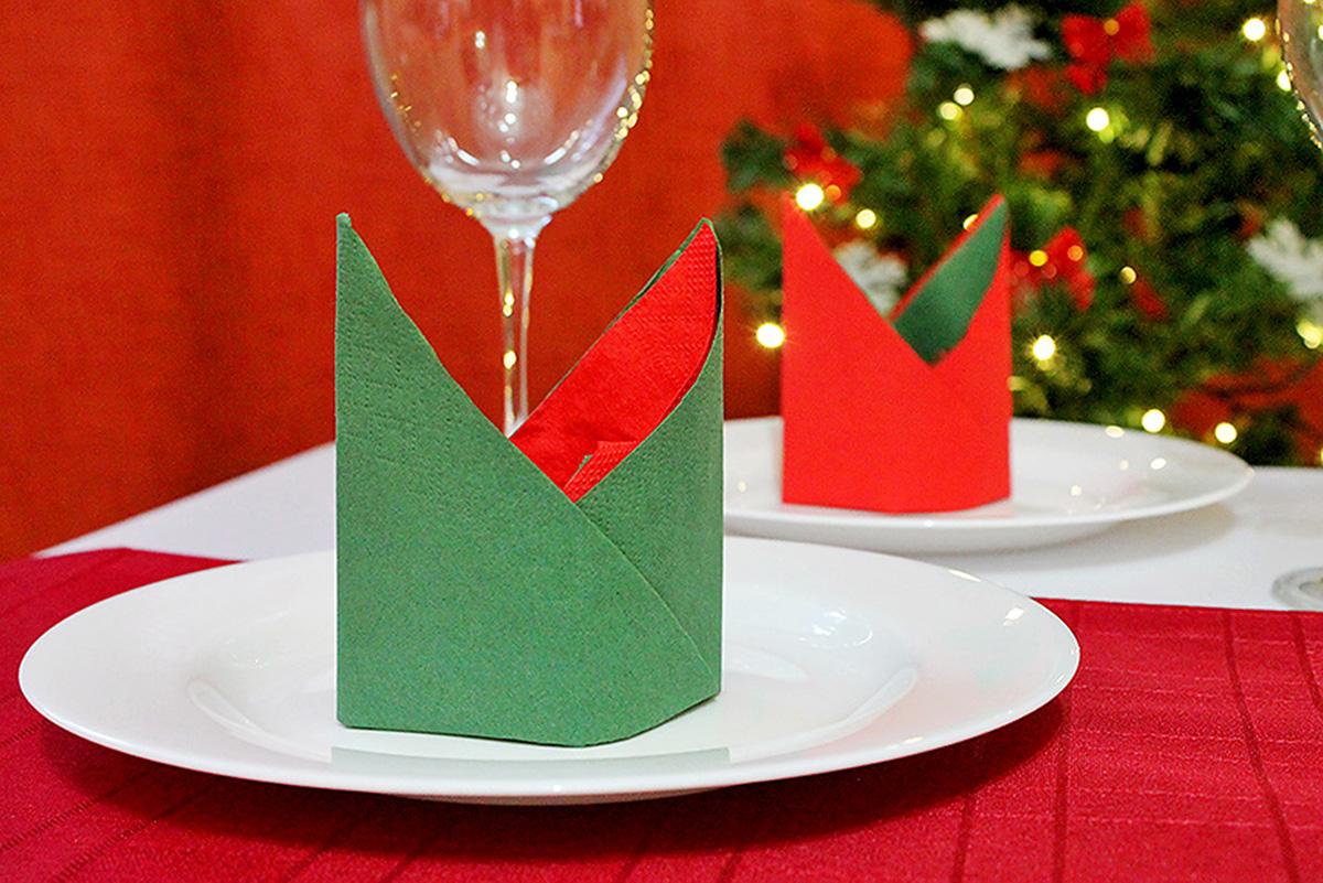 Servietten falten Bischofsmütze Weihnachten